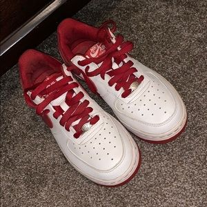 Air Force 1 low varsity red and white